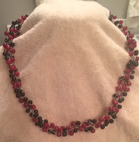 RED AND BLACK BEAD CROCHET NECKLACE