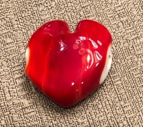 SCARLET HEART GLASS BEAD